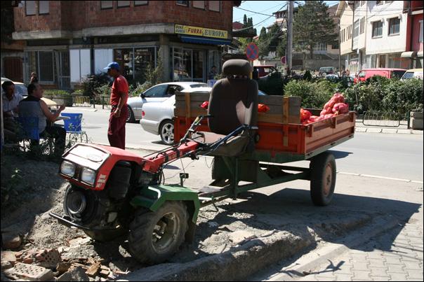 tracteur kosovo agriculteur paysan vente sur marche